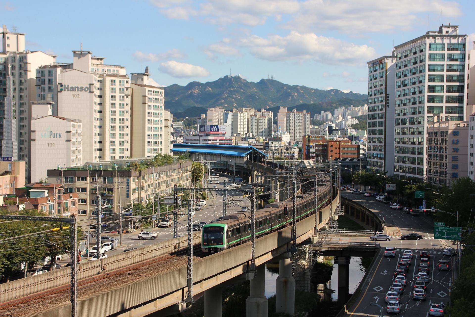 train-seoul